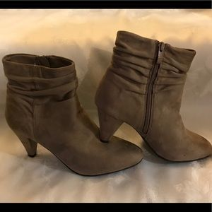 Chinese Laundry boots size 10 NWT
